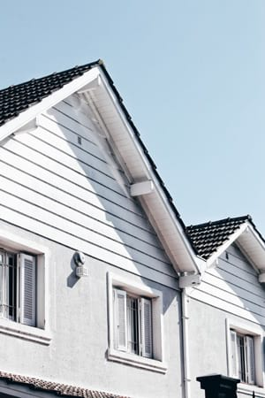 Which fascia & soffit manufacturer should you choose when replacing your roofline? Find out more about top brands such as Deceuninck, Swish & Deeplas. Get free information & advice from expert roofer in London & Surrey.