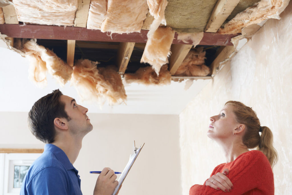 Expert roofing guides - best tips to avoid rogue roofers in your area