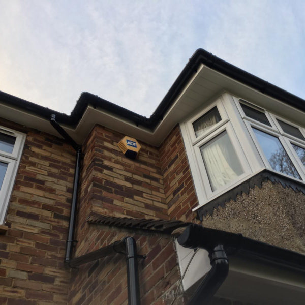 Roof repair guides - Replacing guttering whilst repairing damaged roof