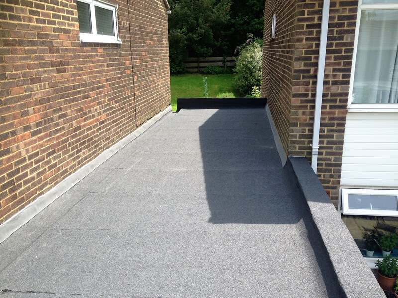 Bespoke roofing guides - do you need a parapet roof for flat roofing?